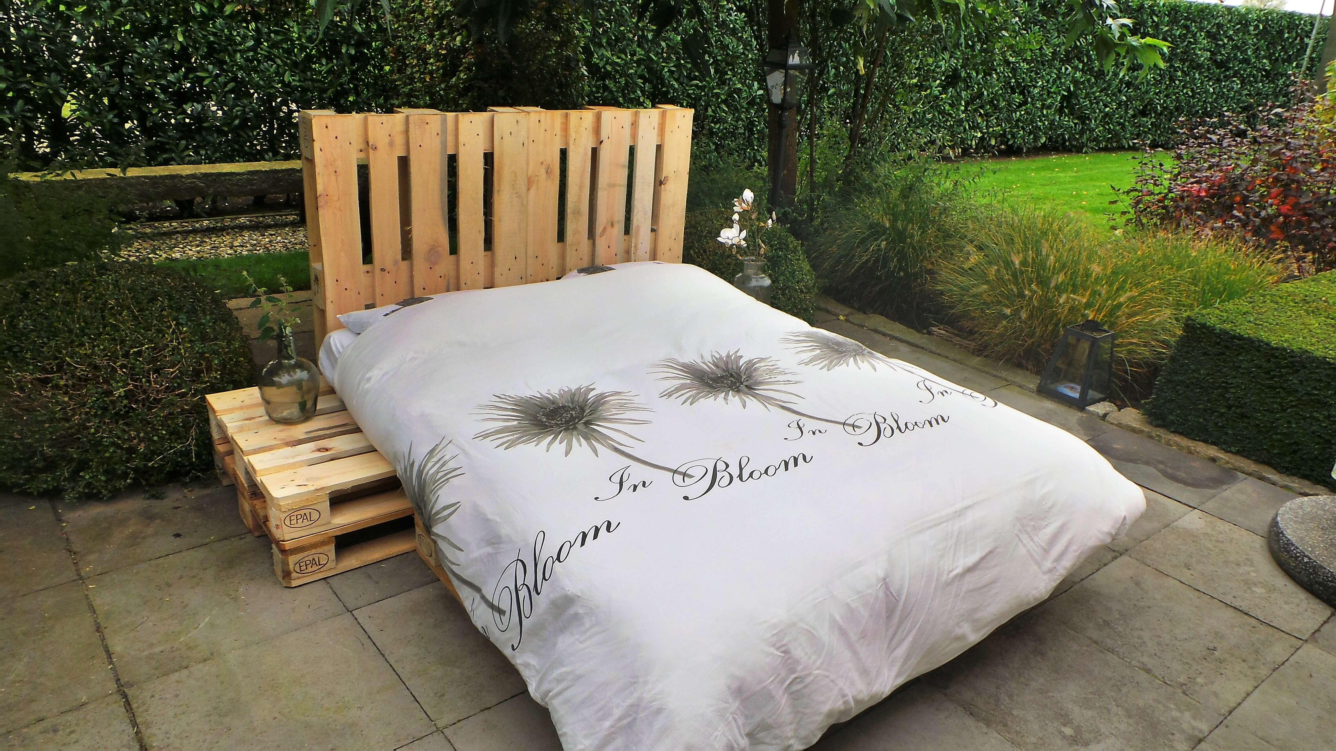Bed Van Pallets : Op zoek naar een tweepersoons pallet bed kijk snel op